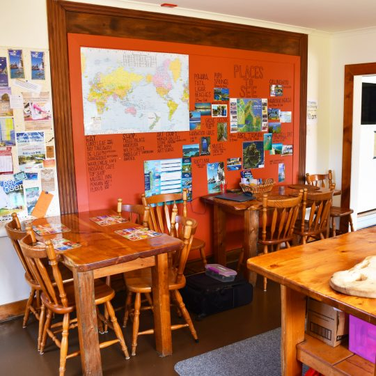 Kiwiana Backpackers full kitchen and dinning
